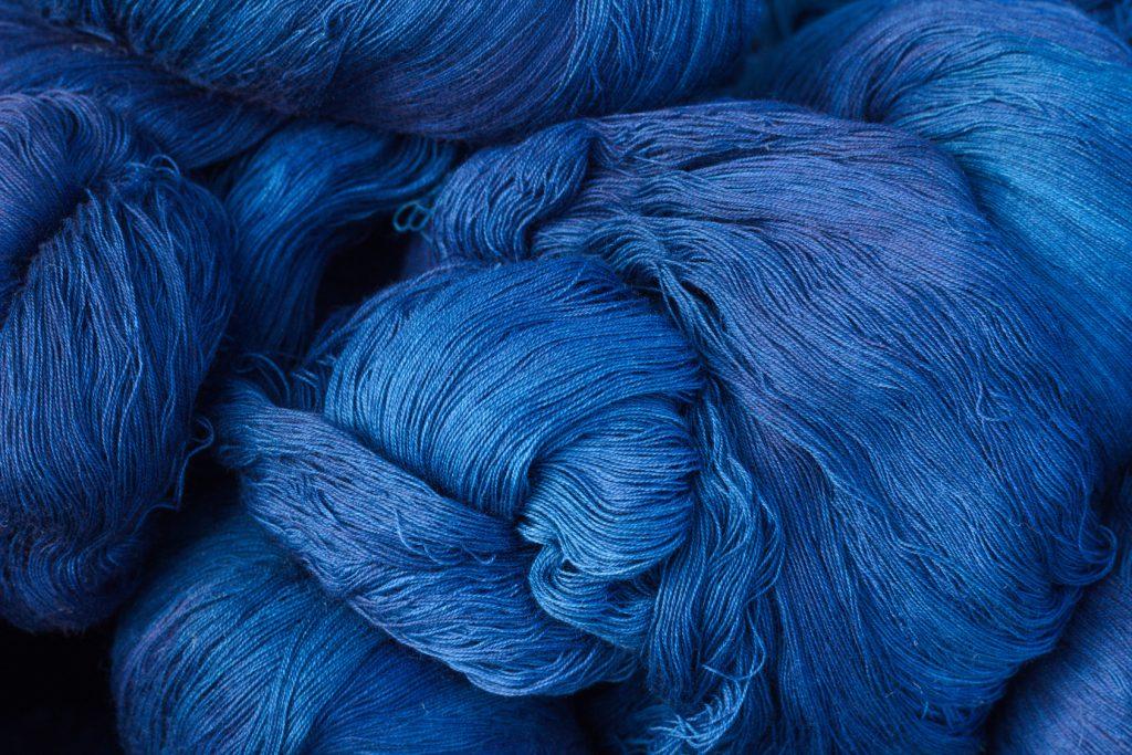 青 は 藍 より 出 で て 藍 より 青 し 故事成語「青は藍より出でて藍より青し」の意味と使い方:例文付き