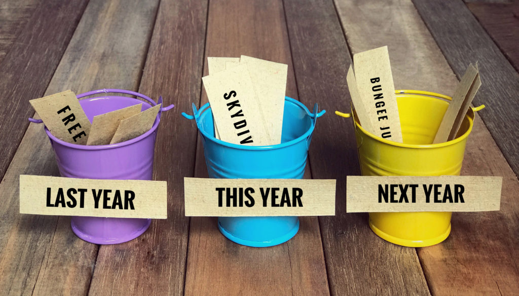 去年」の意味とは?「昨年」「旧年」「前年」との違いも解説 | TRANS.Biz