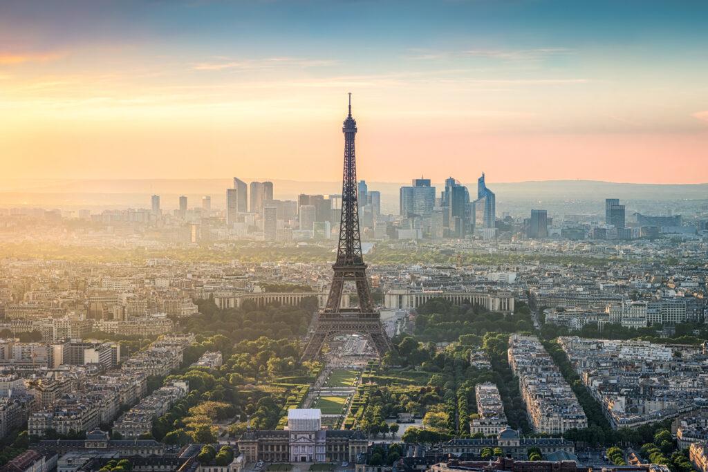 フランスの人口は?出生率と人種の割合・フランスの基本情報も紹介 ...